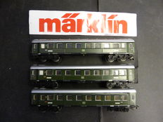 Märklin H0 - 4037 - 3 passenger carriages of DB