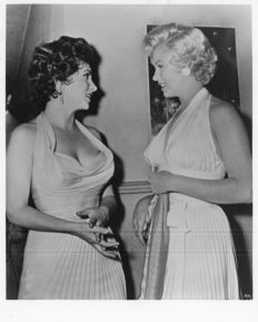 Keystone/Gamma/Getty - Marilyn Monroe with Gina Lollobrigida - 1954