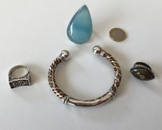 Set of 4 ethnic items of jewellery - 3 rings in sterling silver + 1 bracelet in solid silver and copper