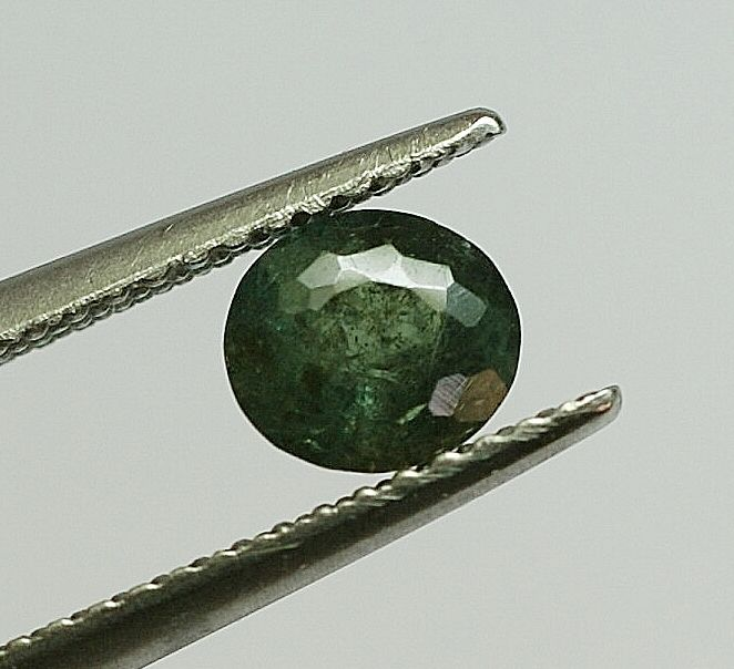 Alexandrite, changing colour, 0.76 ct