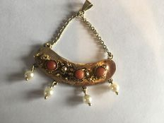 14 karat gold pendant with three precious corals and four seed pearls + a 14 karat gold necklace