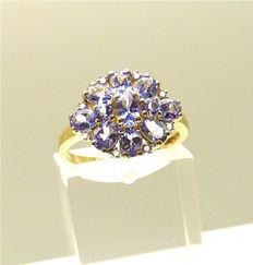 Vintage gold ring set with VVS1 oval & round cut Tanzanite & 8 Diamonds - NO RESERVE