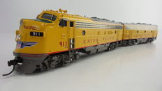 Division Point by Ajin H0 - DP-2107P - Messing Diesel locomotive EMD FP7A/FP7B of Union Pacific
