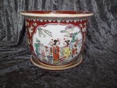 Handmade Chinese flowerpot and dish - China - second half of the twentieth century