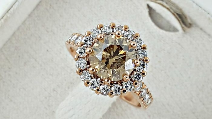 2.86 ct round diamond  halo ring in 18 kt rose gold - size 7,5