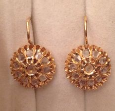 Doumeuses earrings from the 19th century made of gold and diamonds