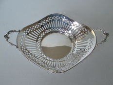 Silver chocolate basket, D.J. Aubert The Hague, 2001