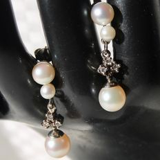 Earrings 14kt gold with 6 beautiful sea / salty genuine Japanese pearls AAA and 6 natural brilliants H/VS