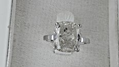6.30 ct cushion diamond ring in white 14 k gold - size7