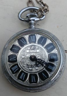 Ancre 15 rubis incablock pocket watch on chain