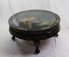 Black lacquer coffee table – China – second half 20th century