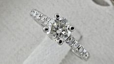 0.93 ct round diamond ring made of 18 kt white gold - size 6,5 *** No reserve price ***