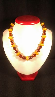 Natural Baltic amber necklace, 29 grams