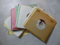 Motown: 30 Singles from the 1970s  including Many US and Canadian Early Pressings