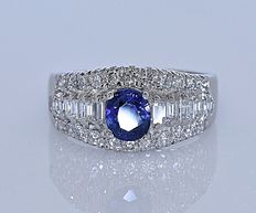 Top Sapphire and Diamonds ring - No reserve price!