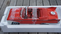 Sunstar PLATINUM Collection - Scale 1/18 - Plymouth Fury 1960 Convertible