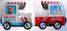 Noguchi, Japan - L. 11,5 cm - Pair of rolling ice-cream/Coca Cola kiosks made of tin, 1960s