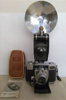 Zeiss Ikon Contessa, Tessar f 2,8 45mm (Zeiss-Opton) su Compur R ,filtro B-W 29 KR3 1.2x, flash AGFALUX  with original storage case & instruction. Germany 1984.