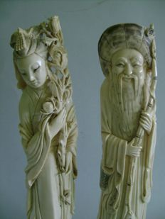 Couple of Chinese figures made of ivory - young woman with peonies and old fisherman - China - early 20th century