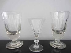 Double crystal polished bud glass and two large polished heavy (wine?) glasses, 19th century