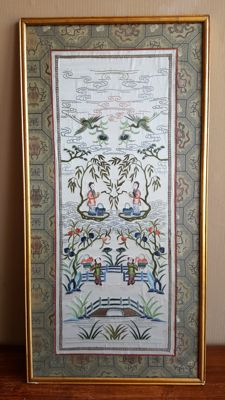 Chinese embroidery on silk, framed – China – 2nd half of the 20th century