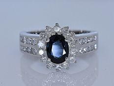1.93 Ct Sapphire and Diamonds ring - Size: 8 - No reserve price!