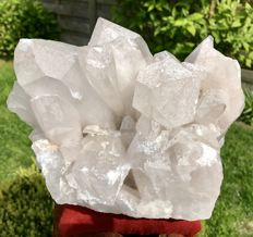 Large natural rock crystal with large points -  21 x 15 x 13 cm - 4.875 kg