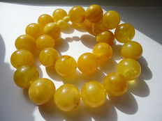 Beautiful big round Baltic amber necklace, 113 gram