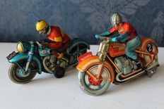 TippCo, Western Germany + Technofix France - Length 16 & 17.5 cm - tin motorcycle TCO 58 with friction motor 1950s & G.E. 255 with clockwork 1980s