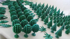 Assorted - 165 pieces trees + bushes + palm leaves