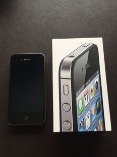 iPhone 4S 16GB with usb cable and box