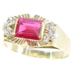 Gold retro ring with a ruby - anno 1940