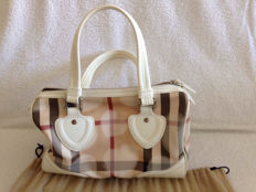 Burberry – Nova Heart Check Bag