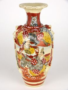 Satsuma pottery vase - Japan - first half 20th century