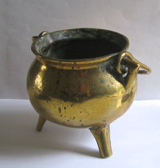 "Bronze ""grape""/cooking pot with handle, Netherlands/Germany-17th century."