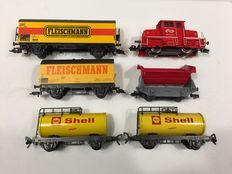 Fleischmann H0 - Shunting locomotive of the NS cargo with 5 wagons from Shell ed.