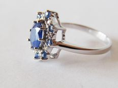 Ring in 925 silver with blue sapphires and white topazes – Diameter: 18 mm