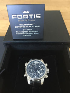 Fortis F-43 Daybreaker Stealth Chronograph Alarm GMT, 703.10.11 LC01 – men's watch