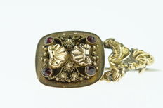 18 kt antique gold piece of jewellery, made into a brooch, nice design.