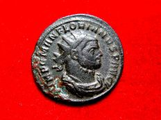 Roman Empire - Florian (276 A.D.) bronze antoninianus ( 3,09 g, 23 mm), Siscia mint.  4th officina. 2nd emission, August AD 276. FELICITAS AVG. XXI/T
