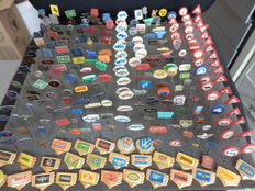 Large collection of 250 x automobile and transport pins Indian, Renault, Mercedes, BMW, Rover, Saab, Chrysler, Aston Martin and many others