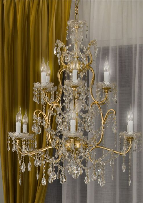 Replica of a Maria-Theresa style 10-light chandelier - Italy