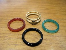 18 kt yellow gold ring with 0.01 ct diamonds, can be combined with rings in onyx, jade and carnelian, size 18 - no reserve price -