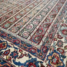 Special 80 year old Ghom Persian carpet - 200 x 143 - SUPERB APPEARANCE - with certificate