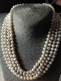 White freshwater pearl necklace, 94 grams, with a silver 925/1000 clasp