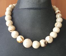 Natural royal white beige amber necklace with graduated round beads, 83 gram