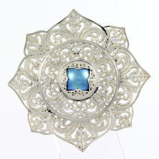 Brooch/pendant in .925 sterling silver with blue pearl and zirconias – Indonesia