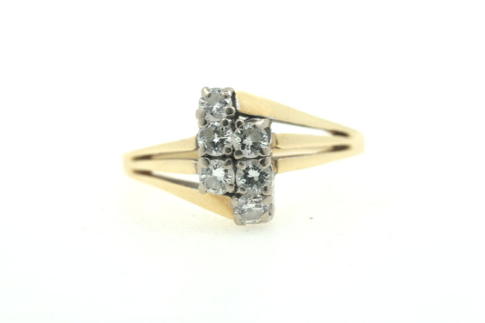 Diamond ring made of 585 gold with 0.50 ct - size: 56