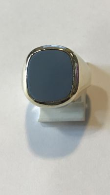 Gold, vintage men's ring with a blue layered stone, ring size 19.75 mm (62)