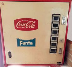 Coca cola vending machine 1960s